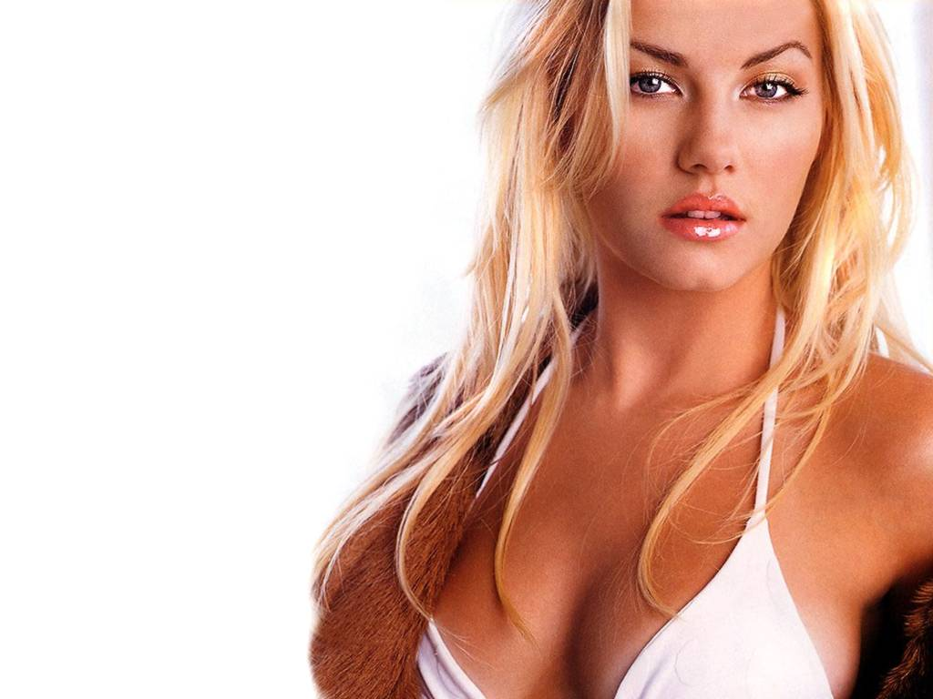 elisha cuthbert oh my god when i see her my heart is beating like a